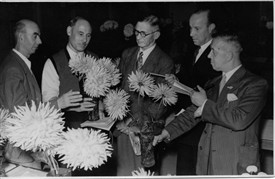 Photo:Flower judging 1945 George Newell 2nd left.