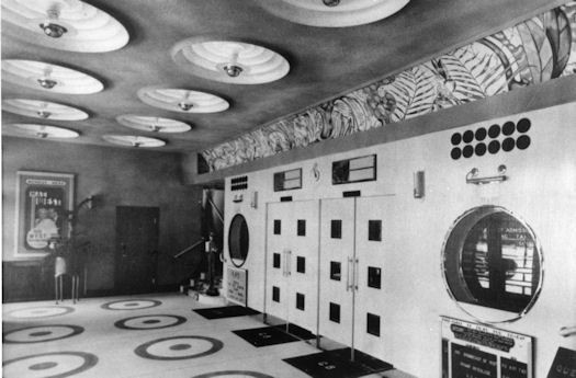 Photo:Interior of the Gaumont in 1937