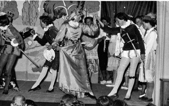 "Photo:Bessie Throckmorton played by Sylvia Ramsey and Vera Crofton as Sir Walter Raleigh doing the minuet in the musical ""Merry England"" By Sir Edward Elgar. 26th July 1956"