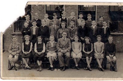 Photo:A school group around 1948
