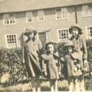 Photo:Doreen O'Halloran with siblings Titchfield Road c.1936